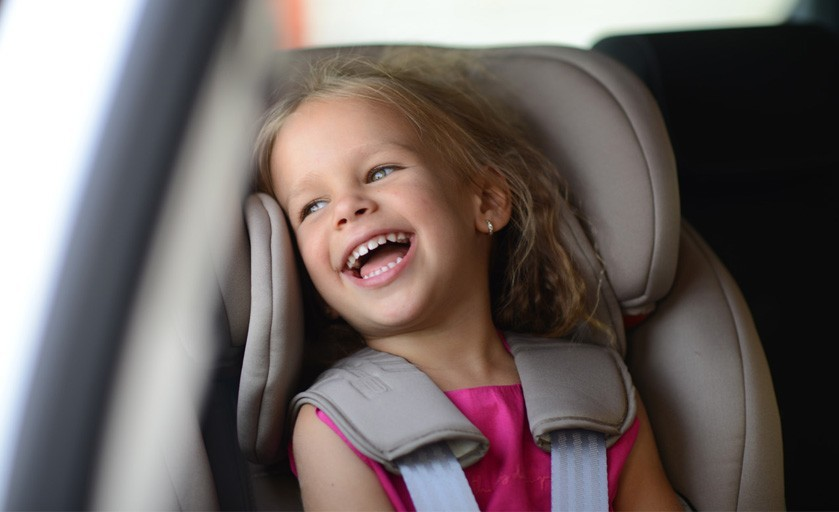 Jak poprawnie wybrać i zamontować fotelik w samochodzie?